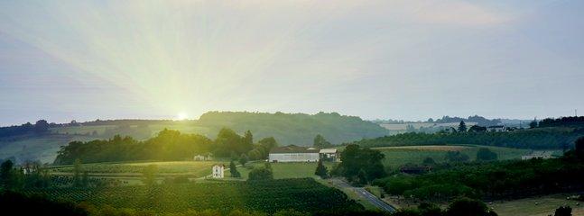 paysage, tourisme vert , lumière, soleil, plein sud, panoramique .