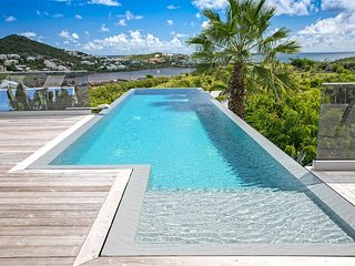DISCOVERY... modern, clean, comfortable villa near Orient Bay and Grand Case