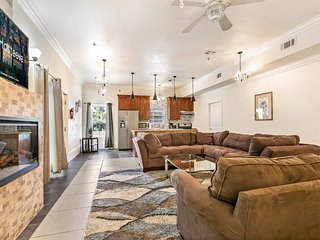 Hosteeva | Luxury 4 BR Condo Half a Block to St Charles St.