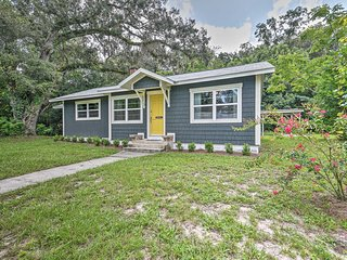 NEW! Updated High Springs Cottage, 22 Mi to UF!