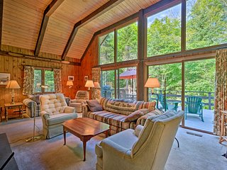 NEW! Thirteenth Lake Lodge w/Deck, Walk to Water!