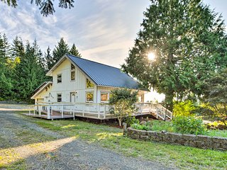 NEW-Hood Canal Home w/Hot Tub Bordering Olympic NP