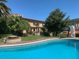 Casa senorial con piscina a 5 min del centro de SS