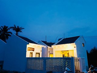 THE LITTLE CORNER HOMESTAY -  QUIET PLACE - 1KM TO THE BEACH