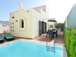 Villa Olympia ❤️ Lovely, Close to Town and Beaches with Private Pool & Fast WiFi