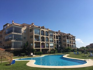 Sunny, Quiet And Spacious Apartment Nearby The Sea