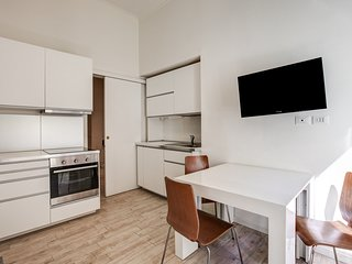 Renovated apartment in Milan's Città Studi w/ free WiFi - near the university!
