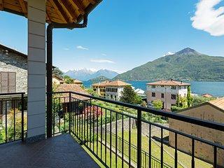 Charming Italian apartment w/full kitchen, near the lake