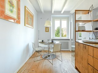 Nice apartment w/ free wifi & fully-equipped kitchen!