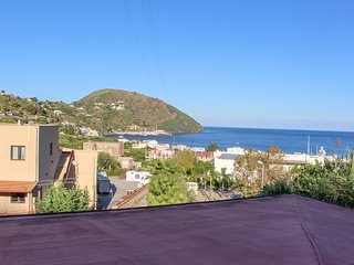Classic apartment w/ large terrace & sea/valley views - walk to town/ferries!