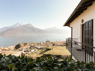 Tasteful apt. w/Lake Como views, near restaurants and museums. Enjoy the views!
