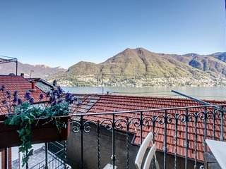 Romantic Italian retreat at Lake Como with amazing views!