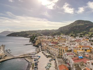 Beautiful Italian flat in the heart of Lipari - live the Italian island lifestyl