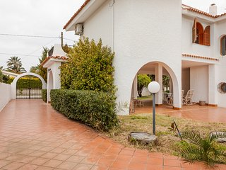 Amazing dog-friendly Villa near the sea!
