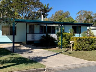 Pet Friendly Cottage in the Heart of Bribie -  Wirraway St, Bongaree