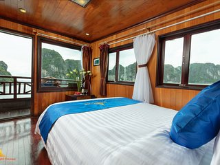 Cozy room - Wooden boat- Halong Bay 2d1n