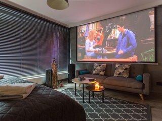 Cosy Studio for Cinema Lovers