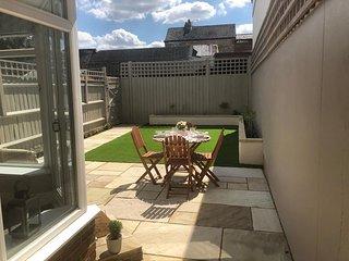 Summertown House - Fabulous 4 Bedroom House + Parking!