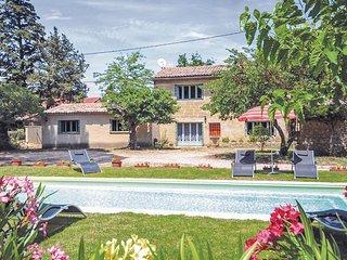 Vakantiehuis met zwembad. (FLG090)