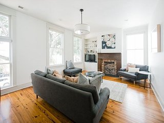 Flexible Refund Policies: Modern, Chic Retreat on Crawford Square