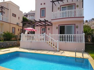 TUSETA VILLA WITH OWN POOL PLUS USE OF 3 SHARED POOLS & MANY ONSITE ACTIVITES