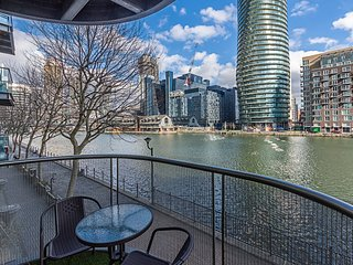 Water View Canary Wharf 2 bed 2 bath Apartment