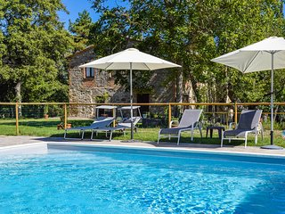 Villa with private pool, air conditioning in Val d'Orcia. Very quiet place!!!