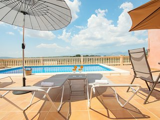 Chalet area quiet in Costitx, 6 pax, Wifi Free, Tv Sat, Private Pool, AACC!