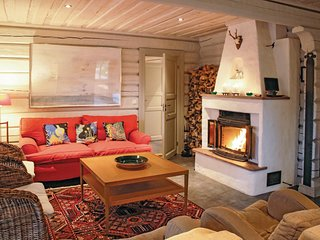 Stunning home in Sälen w/ Sauna, WiFi and 7 Bedrooms (S46577)
