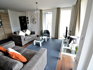Kennet House Apt B Serviced Apartments, Reading by Ferndale