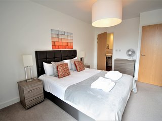 Kennet House - Apt C Serviced Apartments, Reading by Ferndale