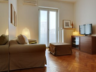 Central Milan Apartment with an Equipped Kitchen | 15 Minutes from the Central