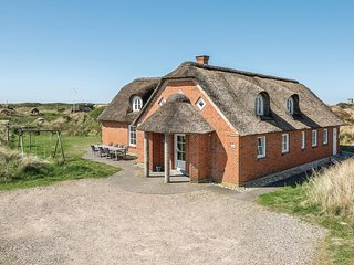 Awesome home in Blavand w/ Sauna, WiFi and 6 Bedrooms (P32235)