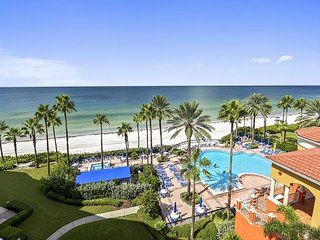 Tides 636 Top Floor/Beautifully updated! 3 Luxurious Pools-Hot Tubs-Grills!