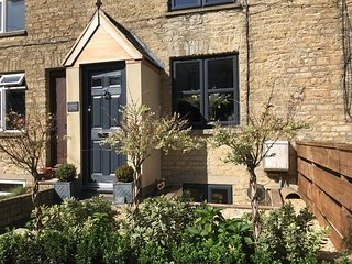 Christmas Cottage, Luxury stay in the Cotswolds
