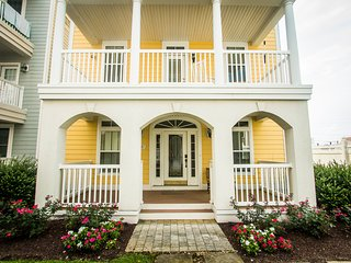 Big Yellow House Steps from Beach