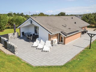 Nice home in Vejers Strand w/ Sauna, WiFi and 4 Bedrooms
