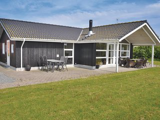 Amazing home in Sydals w/ Sauna, WiFi and 3 Bedrooms (F09182)