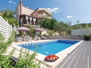 Nice home in Motovun w/ WiFi and 4 Bedrooms