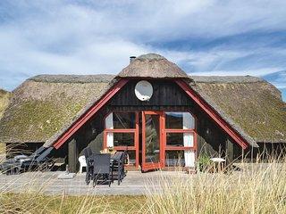 Nice home in Hvide Sande w/ Sauna and 3 Bedrooms