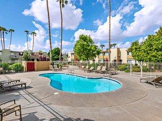 Beautiful condo w/ poolside patio & shared pool - close to Phoenix & Scottsdale