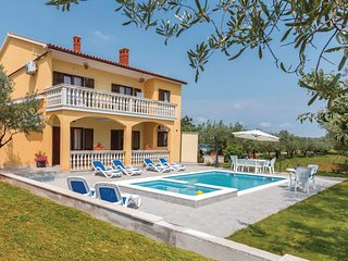 Stunning home in Vodnjan w/ WiFi, 2 Bedrooms and Outdoor swimming pool (CIC961)