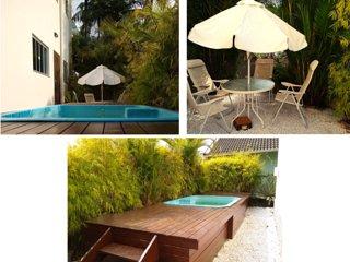 Casa triplex com salão de festas e piscina