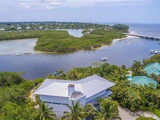 Sea Otter House- Luxury Estate on Captiva Drive