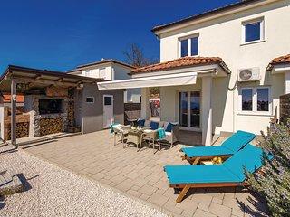 Beautiful home in Kastav w/ WiFi and 2 Bedrooms (CKO040)