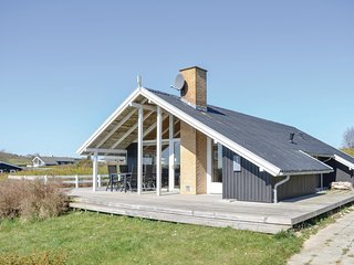 Awesome home in Ebeltoft w/ Sauna, WiFi and 2 Bedrooms (D07177)