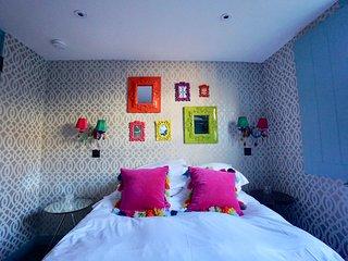 Trinket Box Cottages - Heart of Brighton Sleep 12+