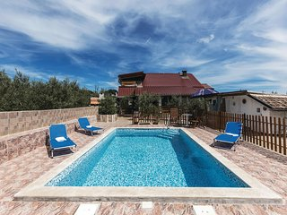 Nice home in Valtura with WiFi and 2 Bedrooms (CIR329)