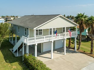 NEW LISTING! Home in an inviting community w/ decks & shared pool!