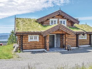 Awesome home in Sjusjøen w/ Sauna, WiFi and 4 Bedrooms